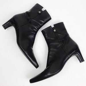 Stuart Weitzman | Leather Point Toe Boots 8.5N